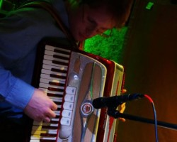 Introducing Ryan Goodhue – Accordion Extraordinaire!